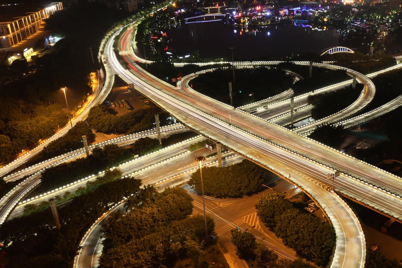 路桥灯光护栏案例